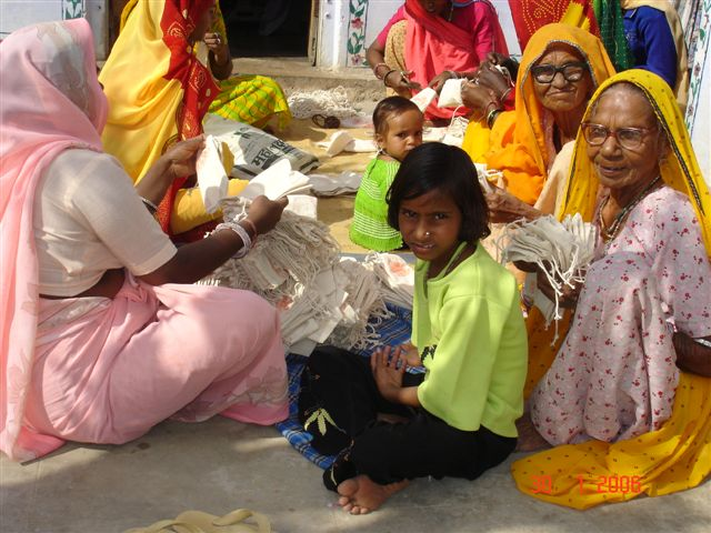 manufacturer-village-women